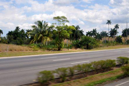 Reisebericht Kuba: Transfertag mit Viazul von Havanna nach Baracoa - Autobahn