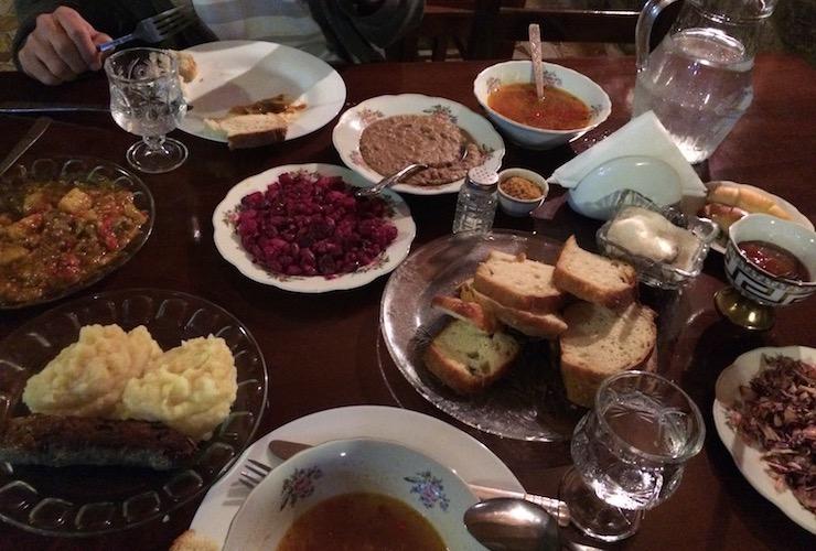 Mestia: Abendessen