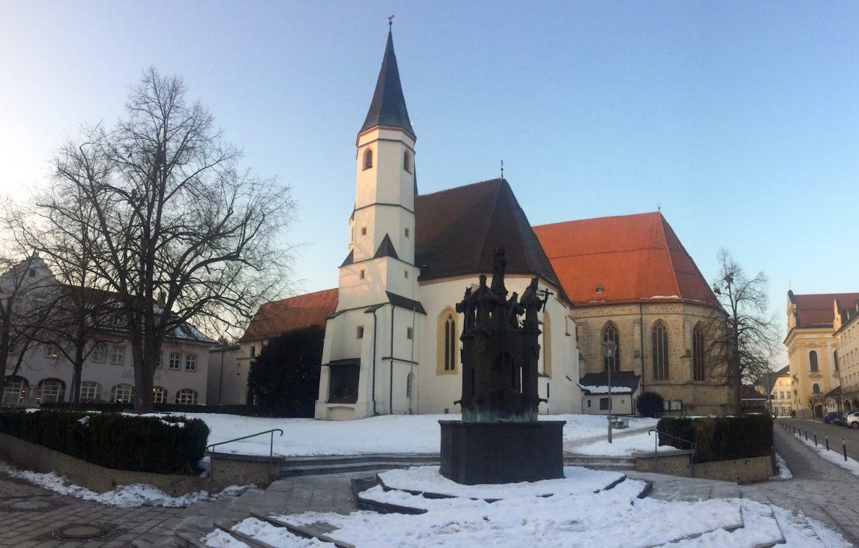 Altötting: gotische Stiftspfarrkirche (Rückseite)