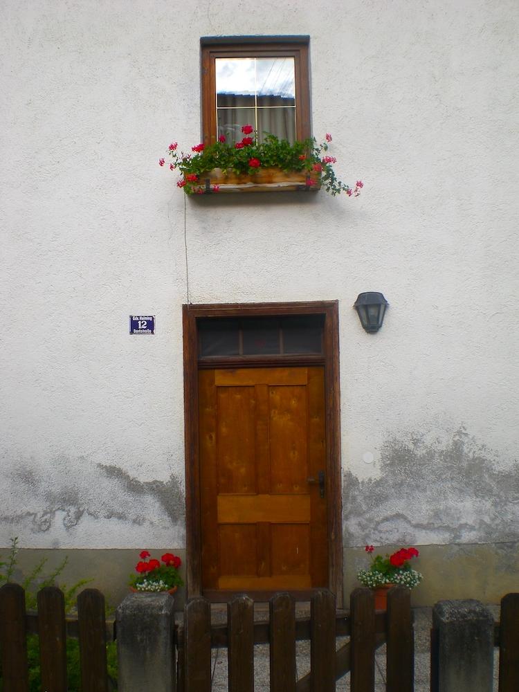 Haiming Tirol Ötztal Haustür