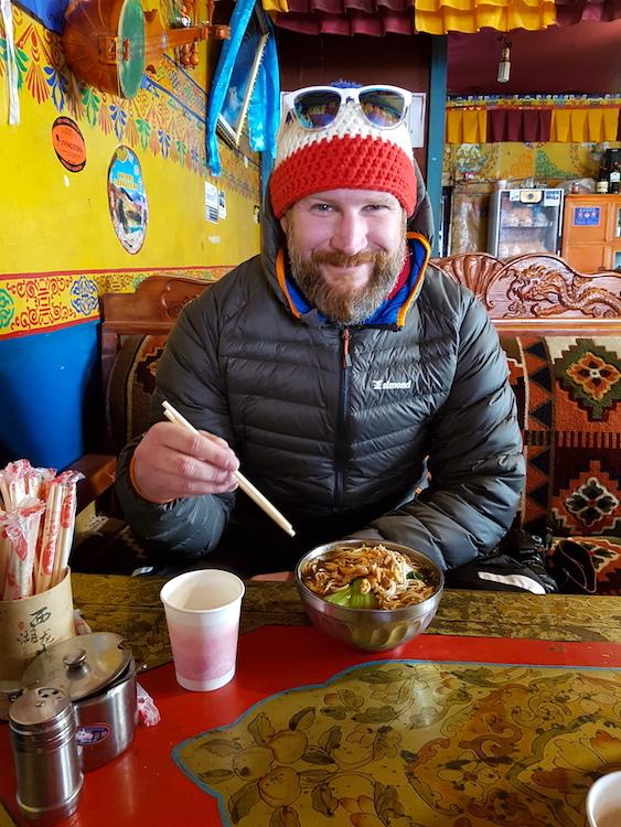 Tibet - Rongbuk Restaurant: Mathias mit Nudelsuppe