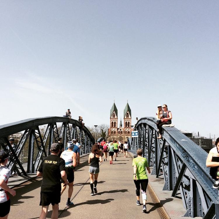 Freiburg Marathon - Blaue Brücke