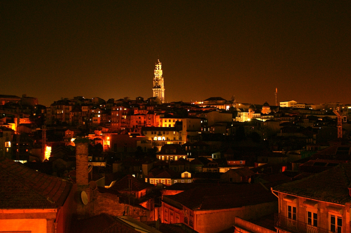 Igreja dos Clérigos by Night