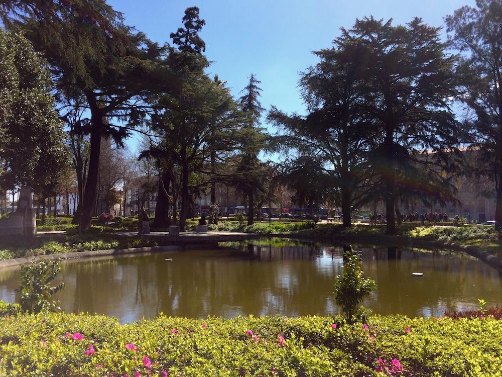 Kleiner Park in Porto